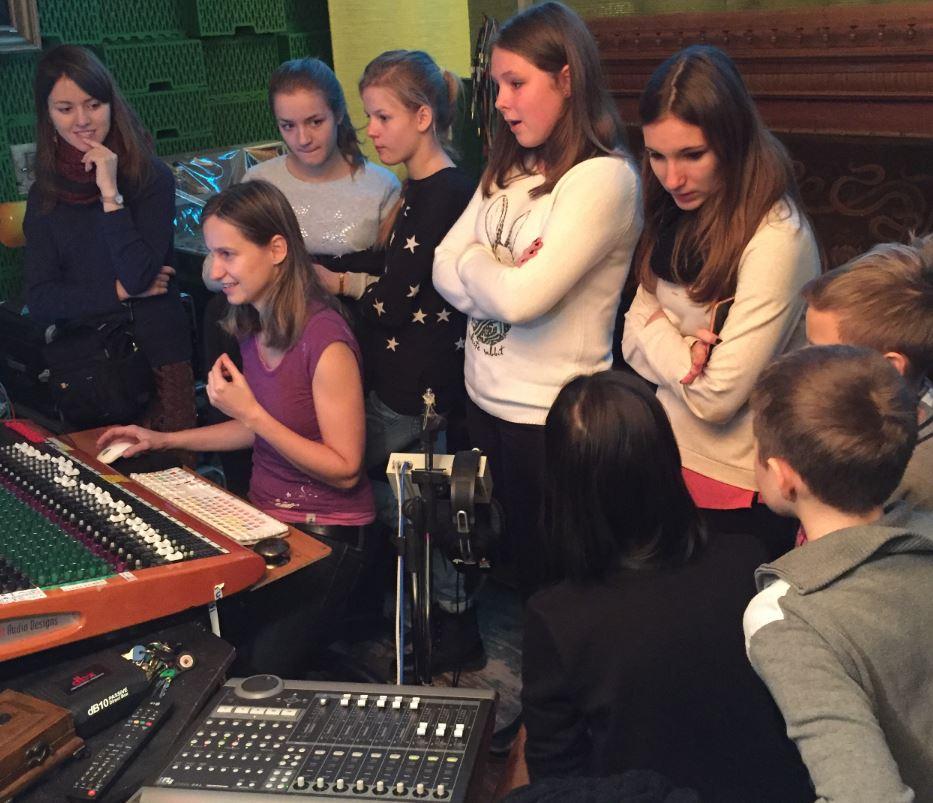 Hudební workshop ve studiu Faust